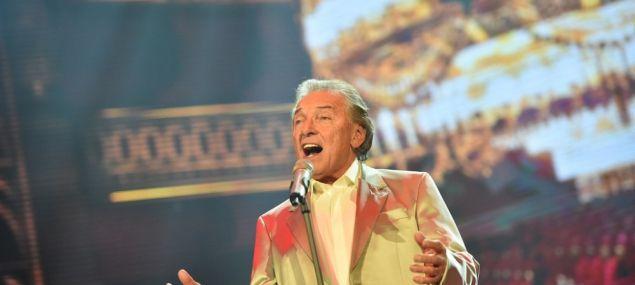 Zlatý slavík Karel Gott zazpívá v Budvar Aréně | Drbna Radilka | Drbna | Budějcká drbna - super drbna online