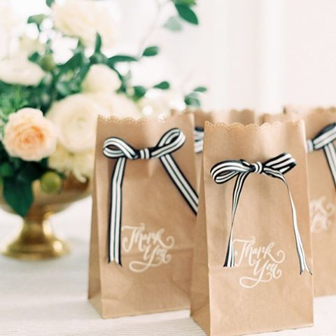 Who Says Brown Paper Bags Aren T Wedding Worthy These Pretty Diy Favor Baggies Are Proof That On Budget Is Beautiful Photography