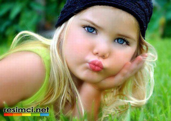 En Güzel Mavi Gözlü Bebek Resimleri