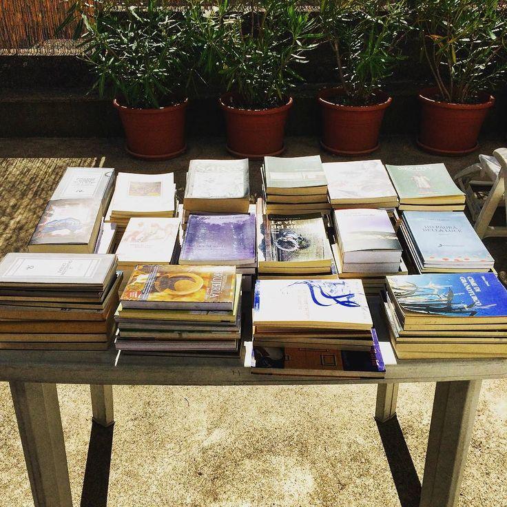 Ti piace regalare libri?  A me tantissimo almeno quanto leggerli  Questa è la mia donazione alla biblioteca di Monasterolo Del Castello 137 libri pronti per essere sfogliati e amati gratuitamente da chiunque!!!  Lunga vita ai libri... sempre!!!  #instabooks #biblioteca #monasterolo #buonalettura #natasciapane #libri