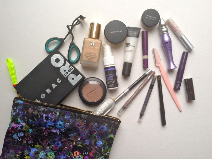 Inside My Travel Makeup Bag // http://aprettytrippyblog.com/2014/03/17/inside-my-travel-makeup-bag/