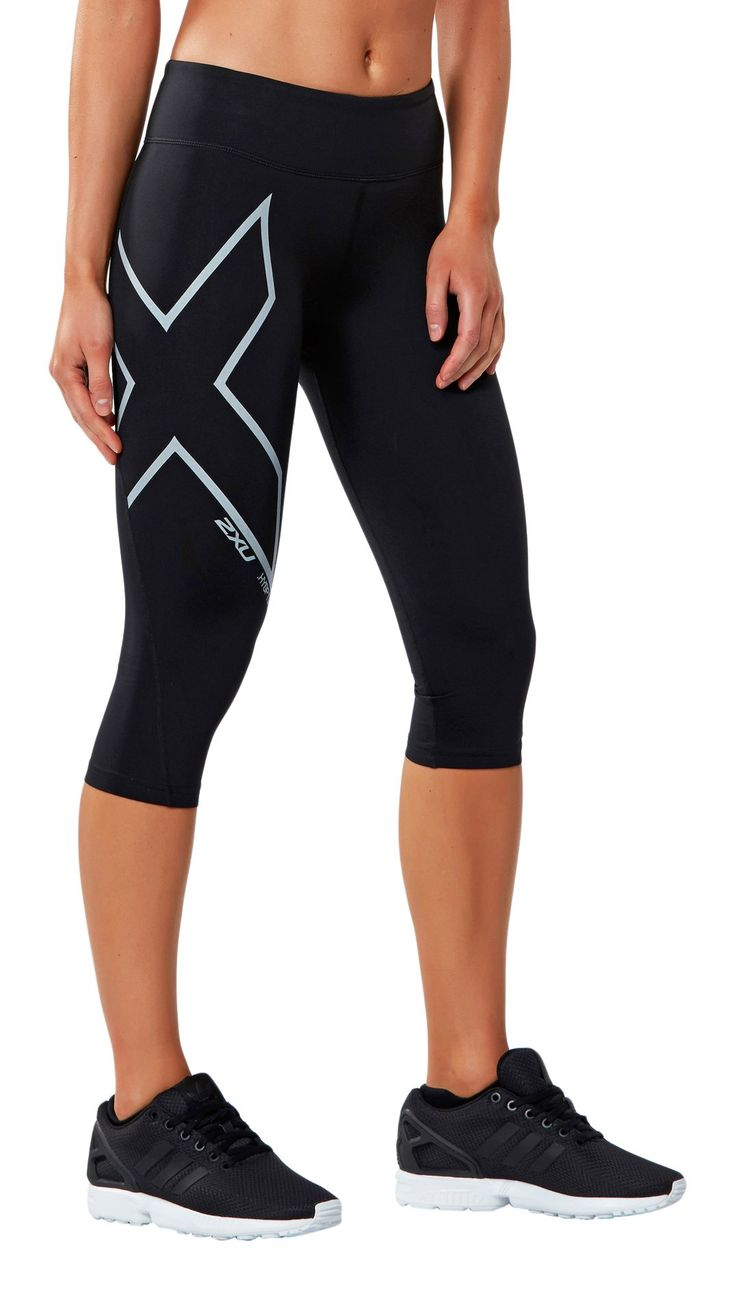 2XU Women's Hyoptik Mid-Rise Thermal 3/4 Compression Tights, Black/Silver  Reflective, X-Large. PWX TECHNOLOGY - superior knit with the highest grade  ...