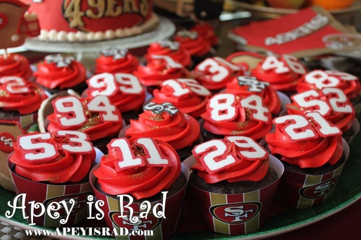 SF 49ers themed cupcakes www.apeyisrad.com