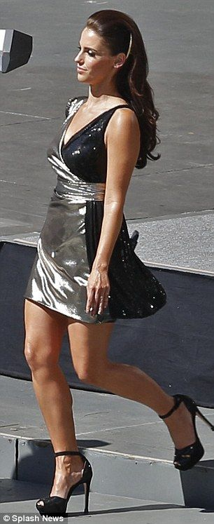 Sexy In Silver 90210 Star Jessica Lowndes Dresses To