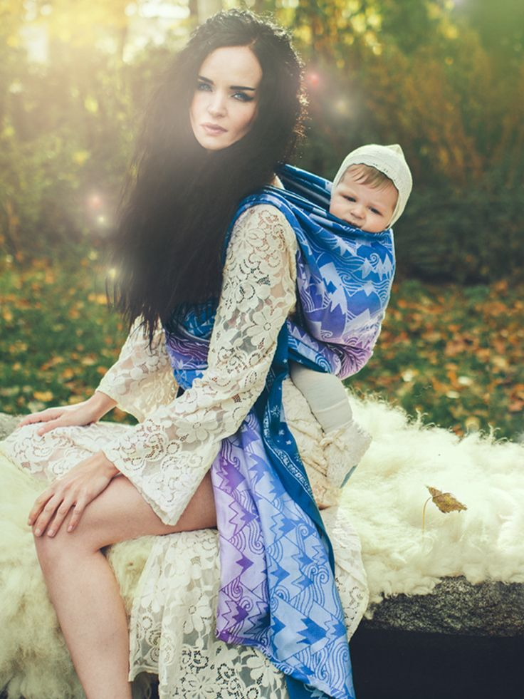 Misty Mountains baby wrap made for the Middle Earth Collection by Oscha Slings in Tencel and organic combed cotton #LOTR