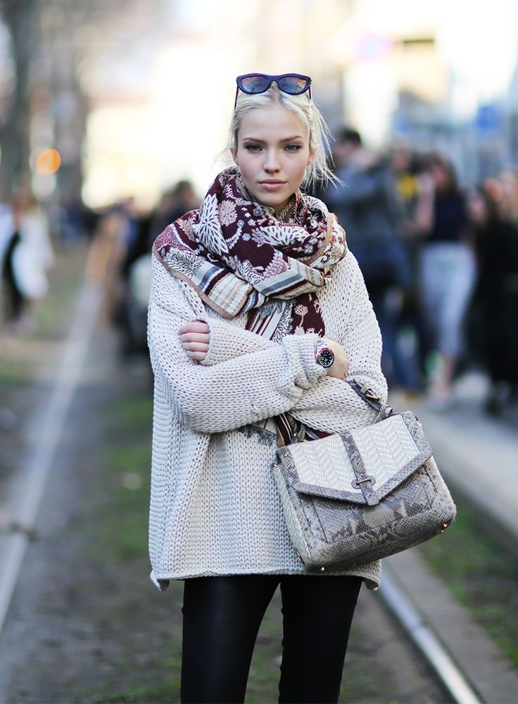 When it comes to Russian model Sasha Luss, it's a little cold comfort and Tory's 797 Satchel in chic raffia and snakeskin. Photographed by Pier Grassano of Models Jam