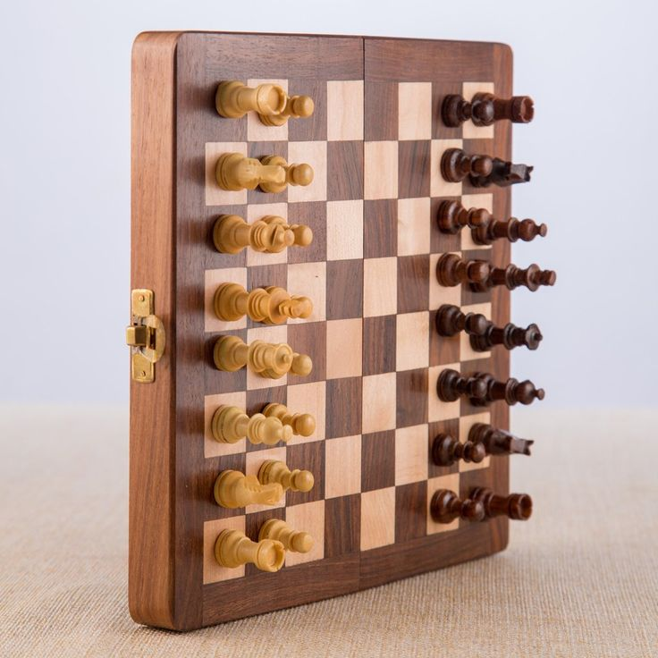 Wooden Chess Set - Magnetic