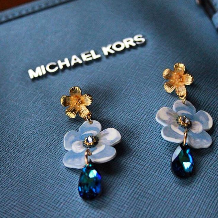 Orecchini Secret Garden Cherry Blossom blue - disponibili online www.shop.luliartbijoux.com #jewelry #madeintaly #earrings