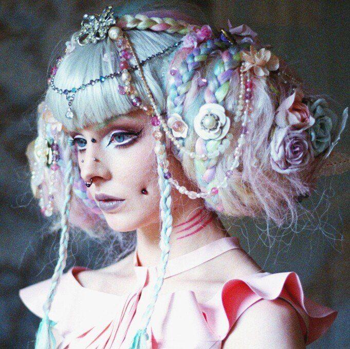 Model: Iska Ithil Photographer: http://rachelhardwick.co.uk/ Wig: Ghoulia's Peculiars Clothing: Am Statik Latex - beauty inspiration for GLOWLIKEAMOFO.com