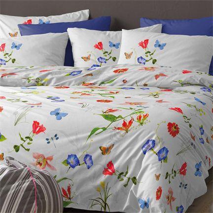 Cinderella Primavera dekbedovertrek - www.smulderstextiel.nl - #bedding #flowers #beddengoed #bloemen #slaapkamer #satin #bedroom #interior #bed #slapen #comfort #lente #spring