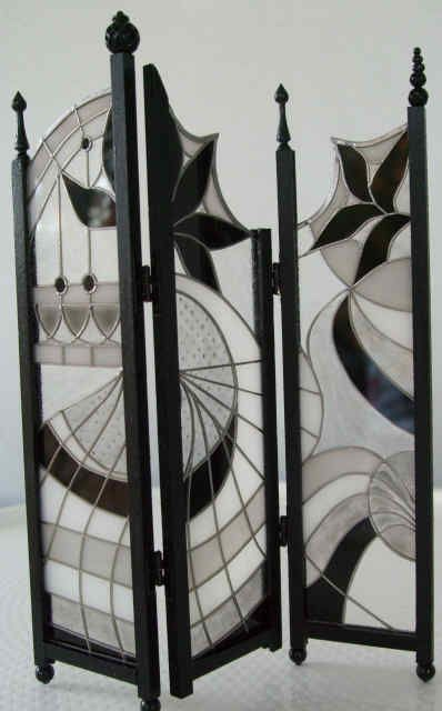Art Deco Nouveau. I don't usually care for Art Deco, but this is absolutely beautiful!