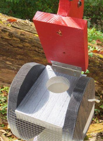 Best 25 backyard decorations ideas on pinterest diy for Unique homemade bird feeders