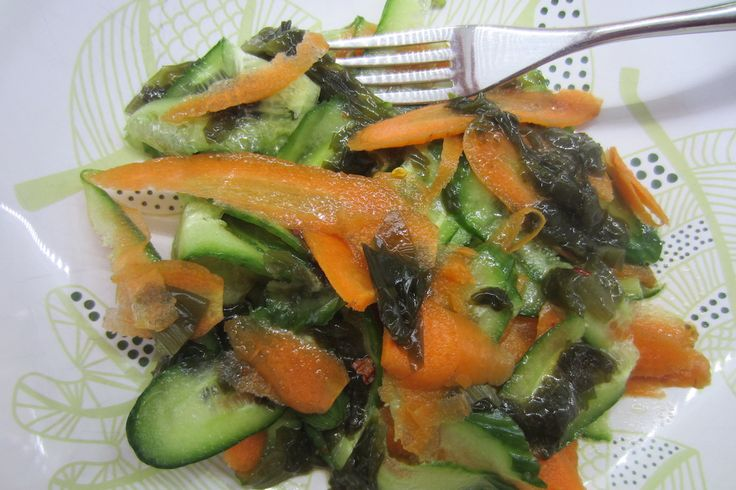 A Quick and Fresh Carrot Cucumber and Wakame Seaweed Salad