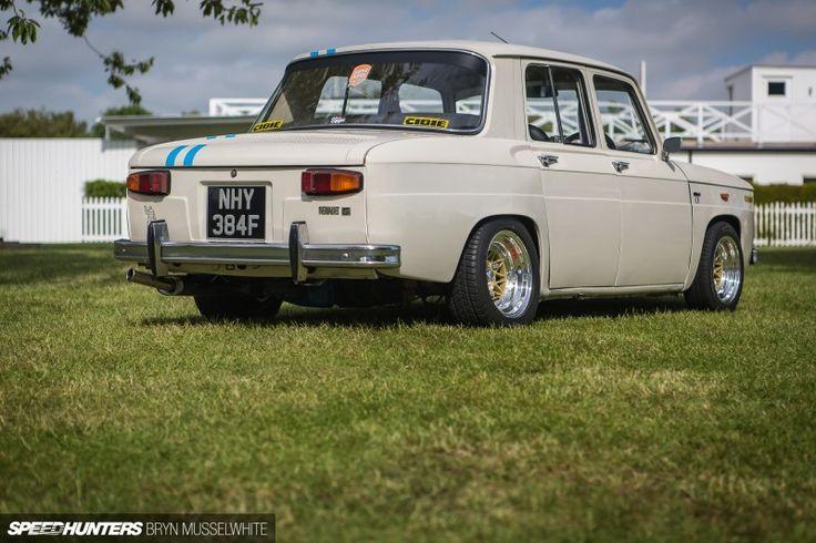 Avui, a coses que un no espera trobar-se a Speedhunters, un post sobre el Renault 8 Gordini