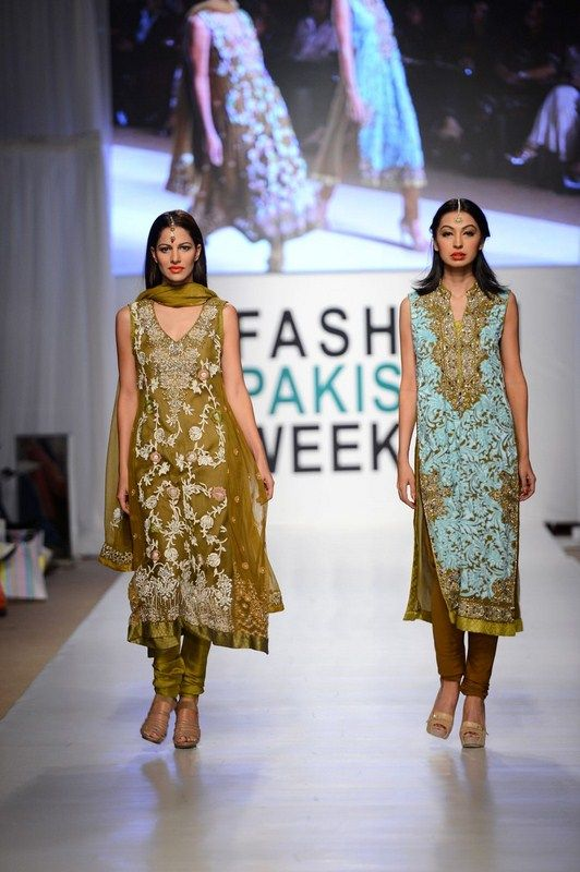 Nargis Hafeez Collection At Fashion Pakistan Week, Season 4