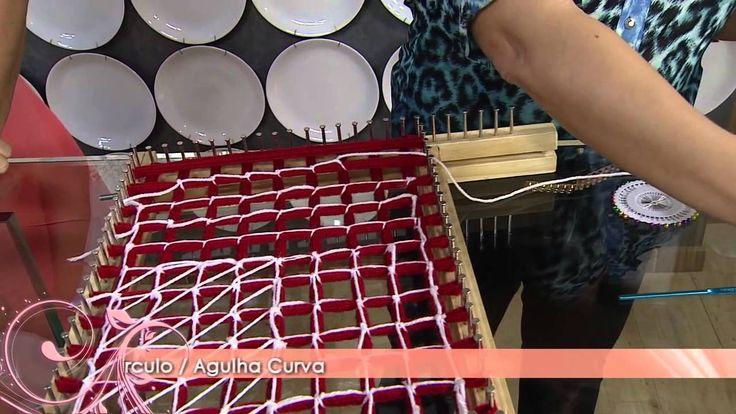 Aprenda a fazer lindas almofadas de pompom!