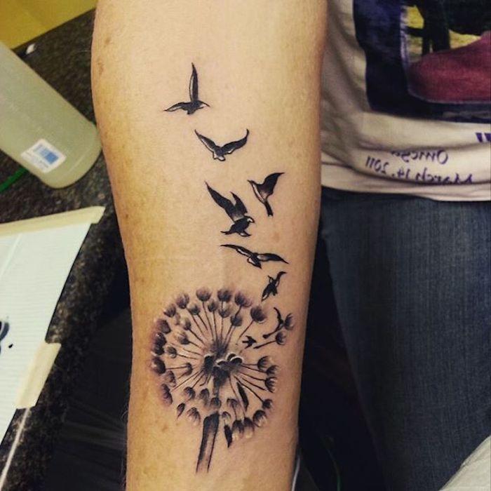 inspirationen fuer ein cooles pusteblume tattoo