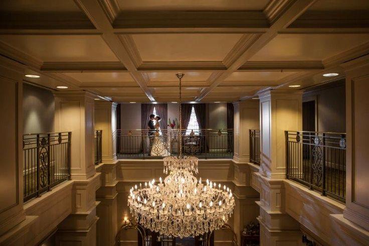 Windsor Arms Hotel - Big elegant chandelier  http://www.fusion-events.ca/