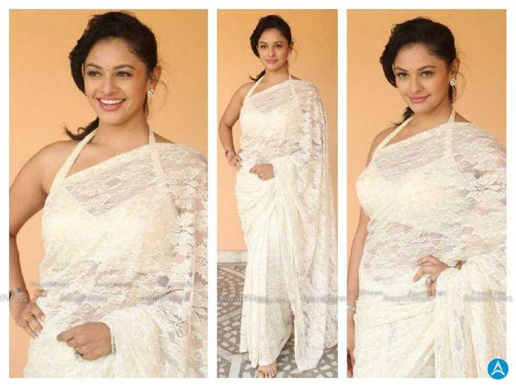 Pooja Kumar Stills At Garuda Vega Movie Interview