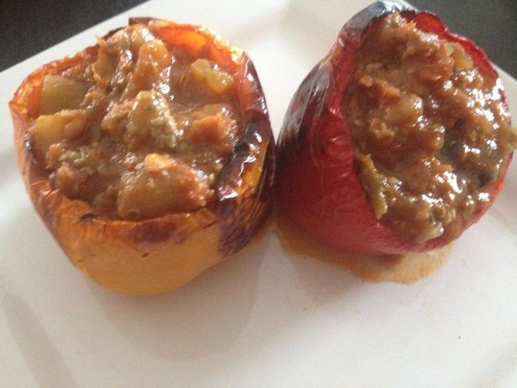 Baked peppers stuffed with bacalao guisado