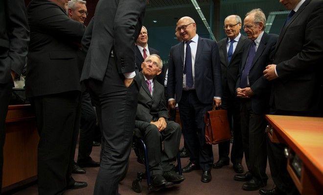 a-special-edition: Tageszeitung: Ο Σόιμπλε συμπεριφέρεται ως δικτάτορ...