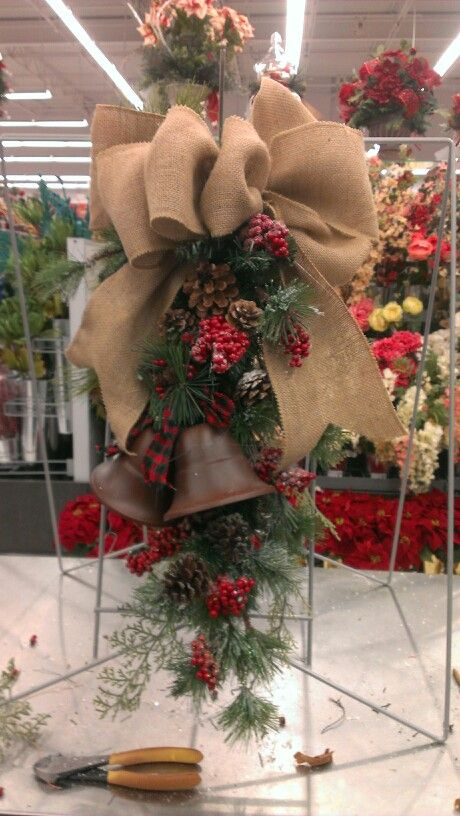 Christmas Bells and Burlap Swag...Robin Evans