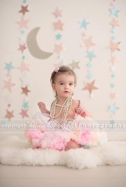 like the stars/moon backdrop