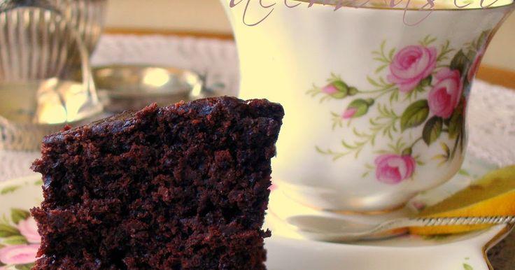 Yoğun Kakaolu Islak kek     Resmini gördüğünüz bu kek; benim hayatımda tattığım en lezzetli kek olup, 4 yıl boyunca bu sayfada yayınlanm...