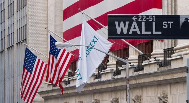 Ao comentar a situação político-econômica do Brasil, Moniz Bandeira afirma que 'Wall Street está por trás da crise brasileira'.