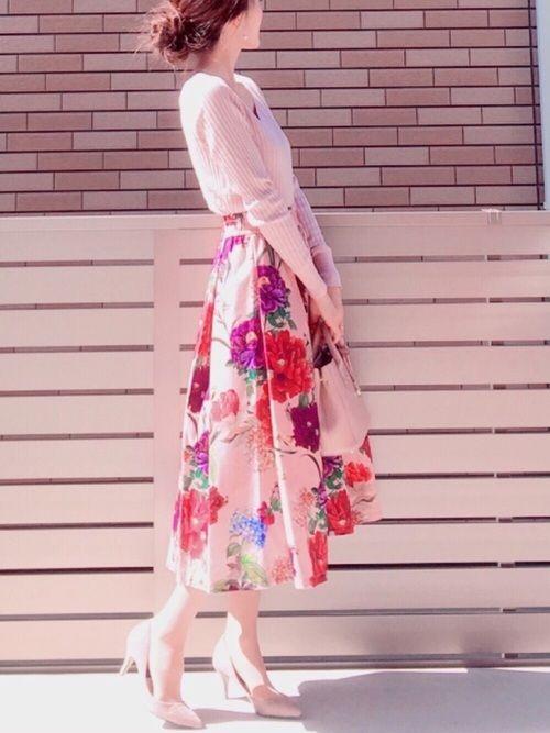 Spick & Spanのニット・セーター「ワイドリブ V プルオーバー◆」を使ったhononのコーディネートです。WEARはモデル・俳優・ショップスタッフなどの着こなしをチェックできるファッションコーディネートサイトです。