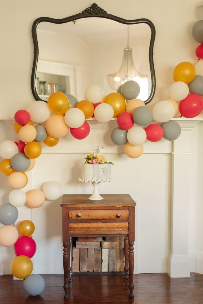 Love this new take on a balloon arch at this Unicorn Themed Birthday Party!