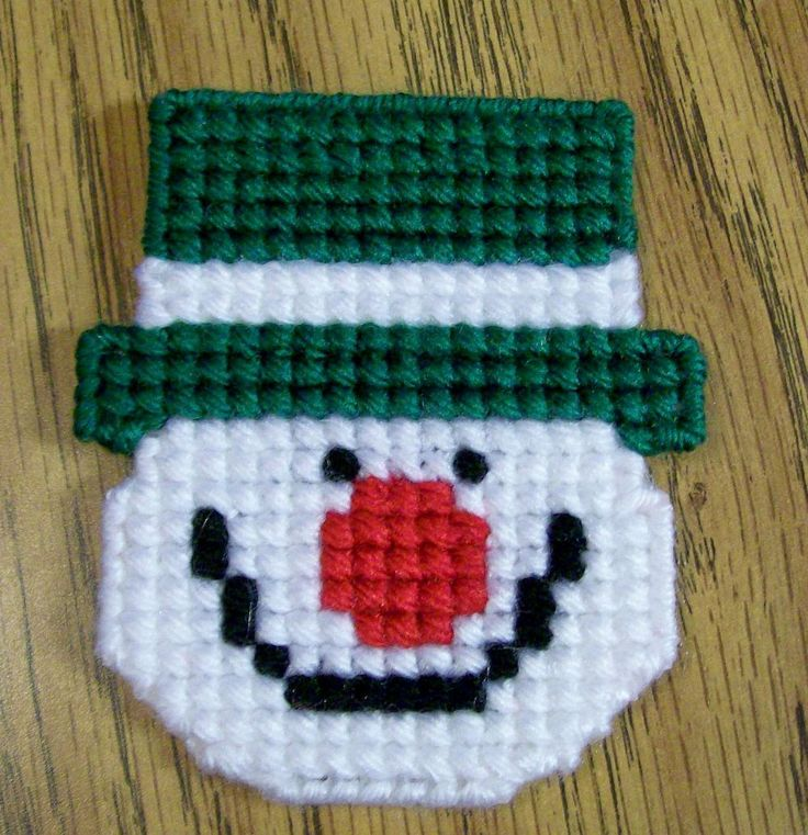 Plastic Canvas Christmas Snowman Magnet, Fridge, Needlecraft, Handmade, Kitchen Decor, Cross Stitch, Green, Gift, Holiday by Margiecrafts on Etsy