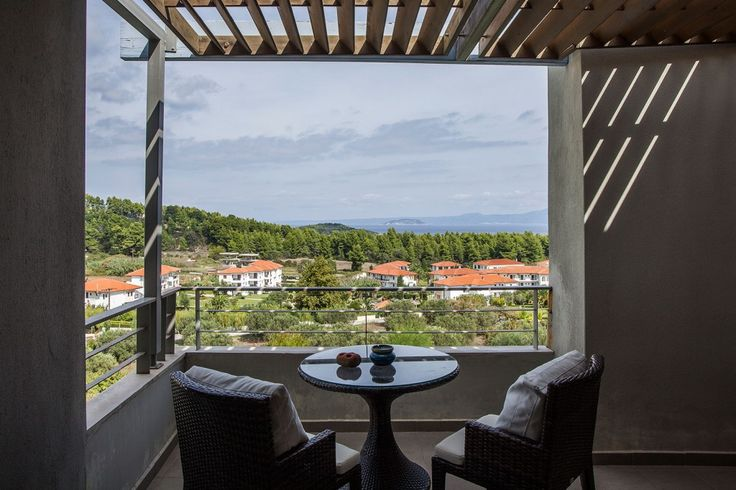 Enjoy your coffee or tea on the upper floor balcony... Great view | Feels Like Home