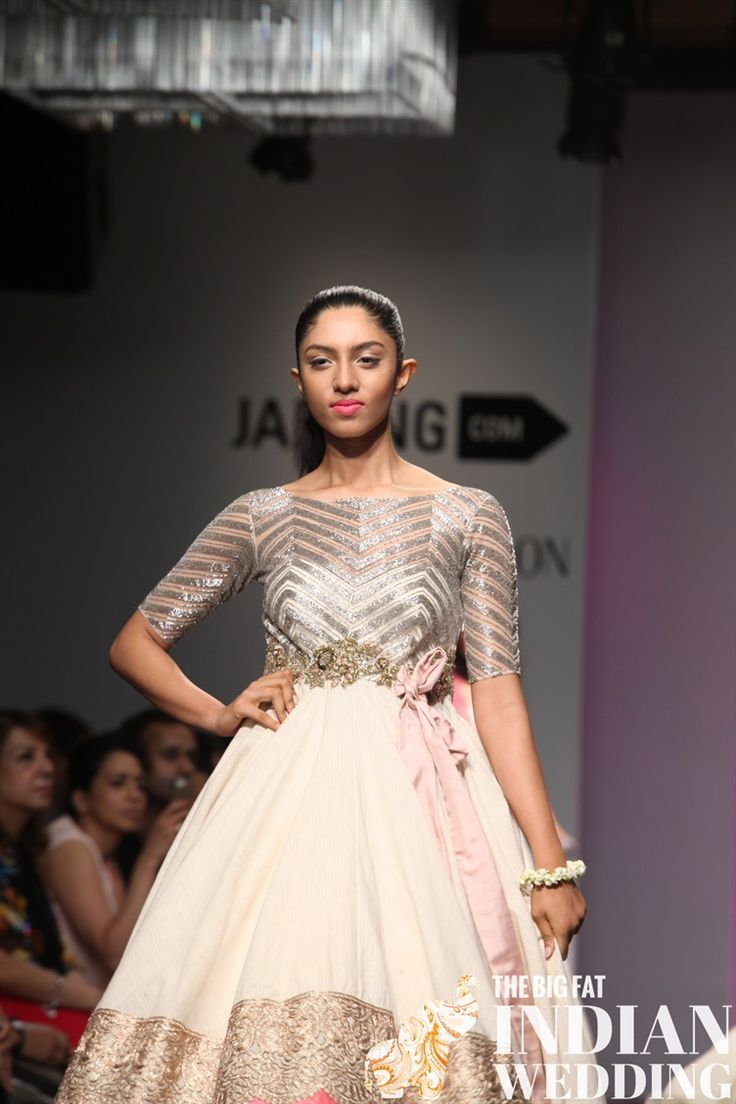 ANUSHREE REDDY'S 'THE TALE OF A BOW' RESORT COLLECTION {LAKME FASHION WEEK 2014}
