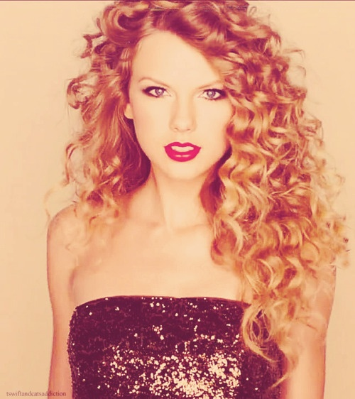 Her hair is soooo perfect!