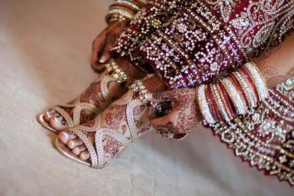 Dulhan Bride Indian  South Asian Pakistani Desi Wedding Bangles Henna Mehndi