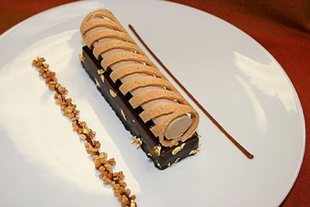 modern plated French pastries   Jérôme CHAUCESSE, Pastry Chef at HOTEL RESTAURANT « LE CRILLON ...