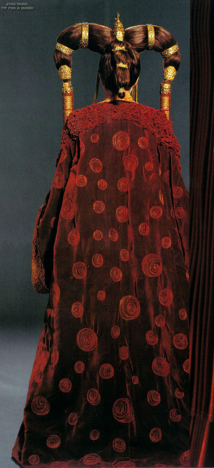Star Wars Padme Amidala Galactic Senate Dress With Cloak - Back view