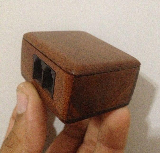 Cajita de teléfono a partir de una placa de modem