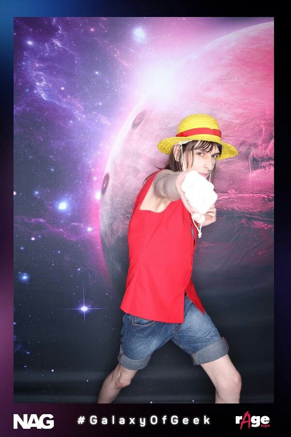 Fem Monkey D. Luffy (Genderbend Cosplay)  Cosplayer:  WarGreyLeonhart   At rAge Expo 2016