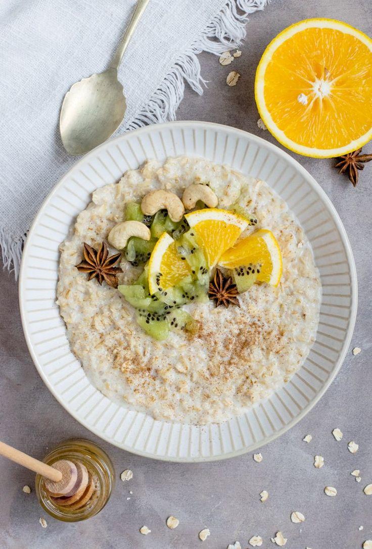 Porridge ist das perfekte Frühstück im Winter. Wärmend, bekömmlich und mit langanhaltender Energie. Du kannst es auch gluten- oder laktosefrei zubereiten! #porridge #hafer #haferbrei #frühstück #brunch #vegan #laktosefrei #glutenfrei #warm #joyaworld #joya