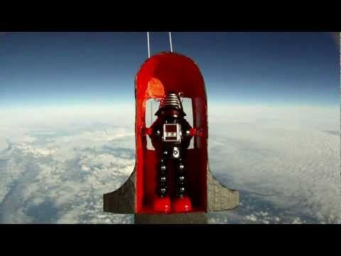 Toy Robot in Space! - HD balloon flight to 95,000ft - YouTube