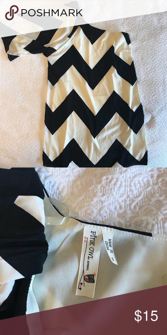 Chevron one shoulder dress One shoulder polyester shift dress with large black and white chevron pattern. Like new, worn once. Pink Owl Dresses One Shoulder