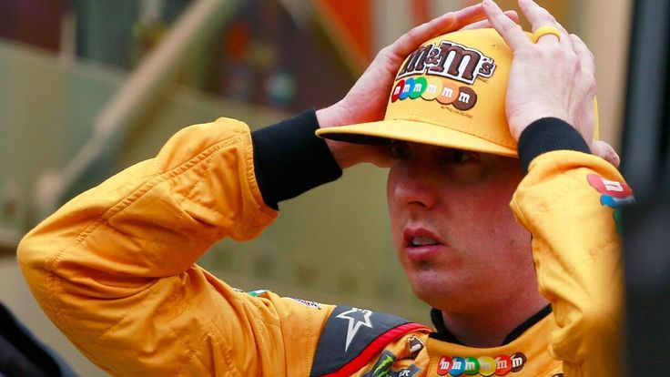 Kyle Busch rips tires after flats, wreck in Food City 500 at Bristol