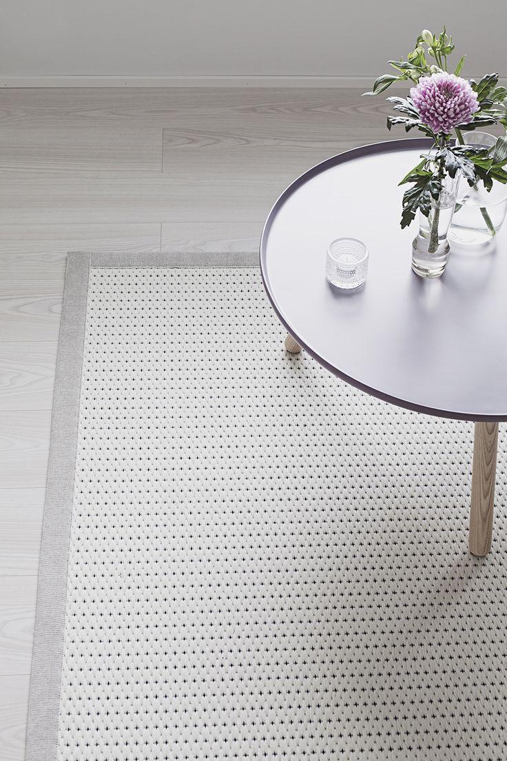Valkea lightful wool and paperyarn.  Design Liina Blom