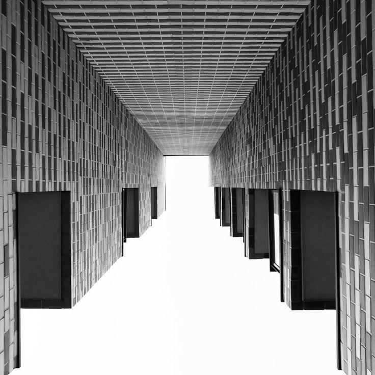 #Grabiszynska #corteverona #building #budynek #architecture #architektura #bnwmaster #bnwpoland #bnwworld #bw #bwcat #czarnobiale #bwworld #igerswroclaw #wroclaw #wroclove #polska #poland