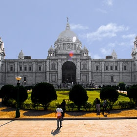 Wonder creation of white marble .. Victoria Memorial Hall in Kolkata was built in the memory of Queen Victoria of England. After the demise of Her Majesty, the idea of building a memorial hall in her name was first thought of by the then Viceroy of India, Lord Curzon who left India at the end of 1905. This exquisite marble architecture was designed by Sir William Emerson and was opened in 1921, 5 years ahead of its schedule opening .. Prabir Sen