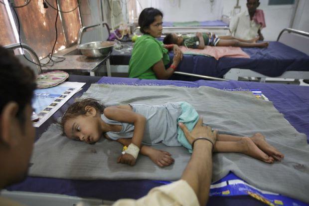 Laici punca utama wabak misteri di India yang menyerang kanak-kanak   LAICI yang dimakan ketika perut kosong dikenal pasti sebagai punca kematian kanak-kanak akibat wabak penyakit misteri yang melanda bandar Muzaffarpur sejak lebih 20 tahun lalu.  Penemuan itu hasil penyelidikan tiga tahun yang dimulakan Dr Rajesh Yadav yang bertugas di Perkhidmatan Risikan Epidemik India.  Dr Yadav bekerjasama dengan Pusat Kawalan Penyakit India sebelum pejabat pusat berkenaan di Altanta menerbitkan journal…