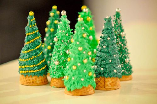 Use ice cream cones to create sweet Christmas trees... so much easier than gingerbread houses!