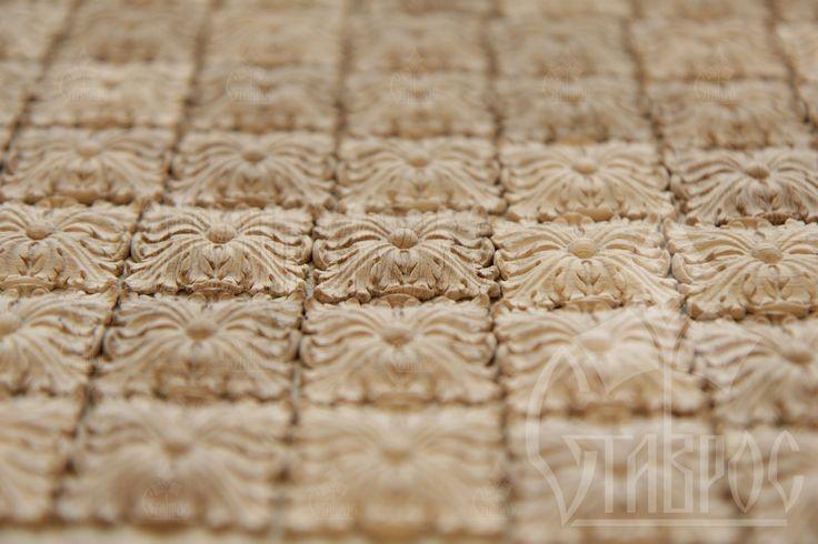 Резные квадратные розетки из массива дуба. #дизайн #декор #декорирование #резьба #дерево Carved square rosettes made from solid oak. #decor #design #decoration #elements #wood #wooden #carved